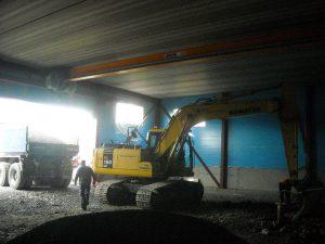 gravemaskin og lastebil 2